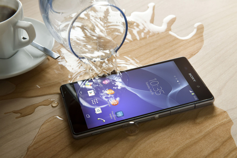 Что делать, если ваш телефон упал в воду?